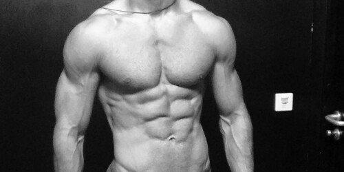 Gleichzeitiger Muskelaufbau und Fettabbau (Wissenschaftliche Anleitung)