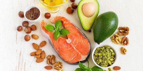 Wie viel Fett am Tag ist optimal? (38 Studien)